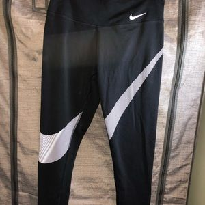 Nine leggings medium
